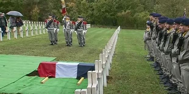 web2-ossuaire-de-douaumont-cercueil-capture.jpg
