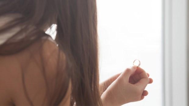 Wedding engagement ring - Woman