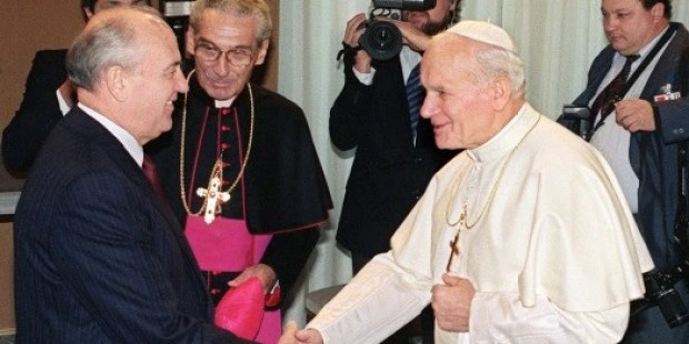 JOHN PAUL II MEET GORBATCHEV