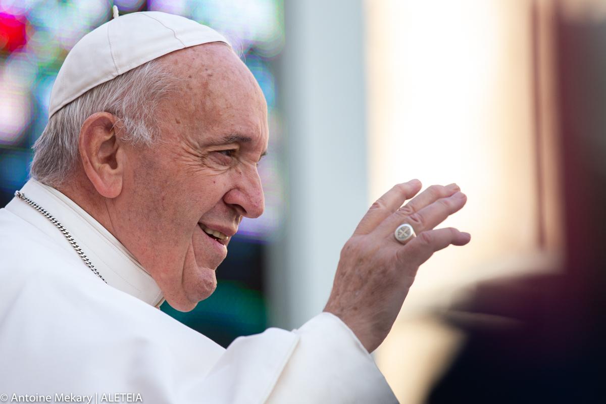 Le pape François lors de l'audience générale place saint-Pierre, mercredi 27 novembre 2019.