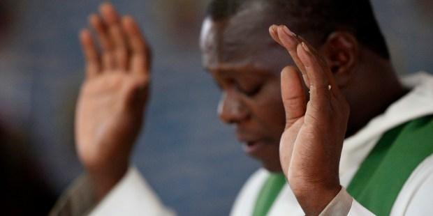 Prêtre togolais
