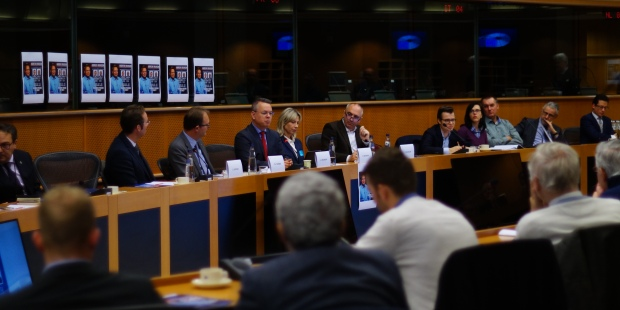 web2-pasteur-brunson-parlement-europc3a9en-eclj.jpg