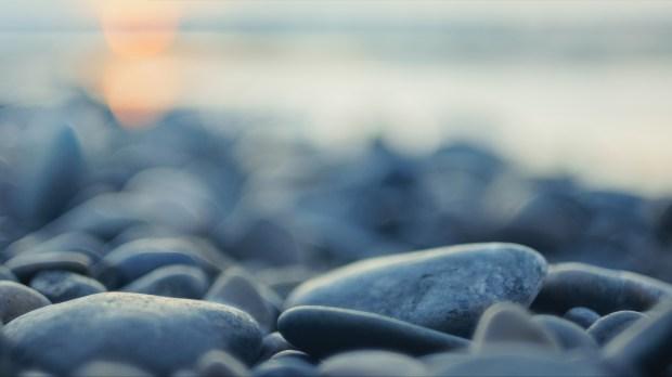 Cailloux sur une plage