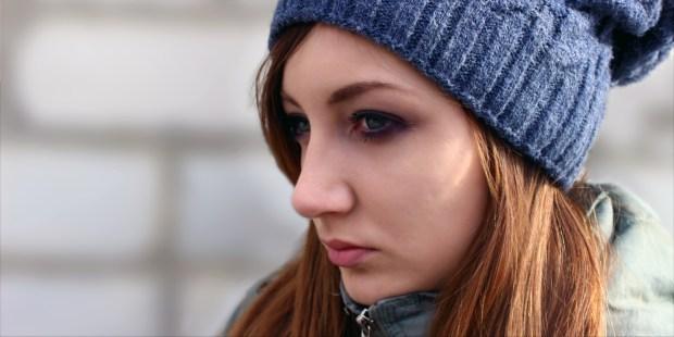 Adolescente songeuse