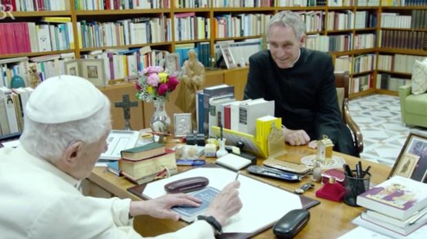 Benoît XVI a reçu la chaîne de télévision bavaroise Bayerischer Rundfunk, au sanctuaire Mater Ecclesiae.