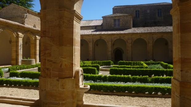 cloitre abbaye sainte Marie de Lagrasse
