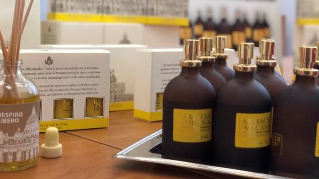 Les produits bien-être fabriqués par la pharmacie du Vatican sont désormais commercialisés en France.