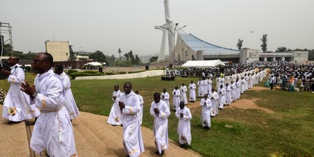 Les fidèles Ivoiriens ont participé à une messe pour la paix à Abidjan, le 15 février 2020.