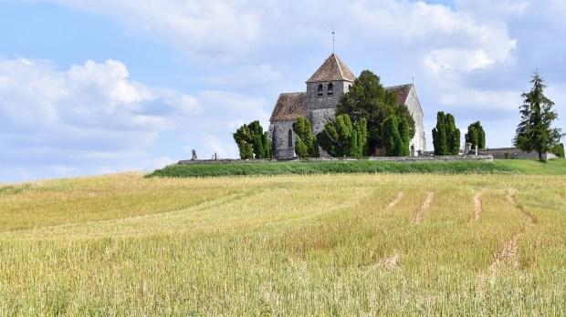 Église dans la campagne