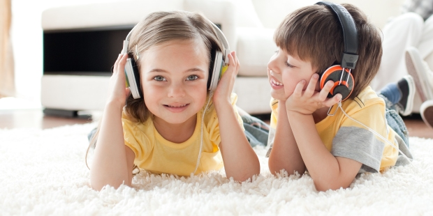 children listening music