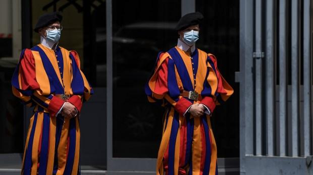 gardes suisses masques de protection