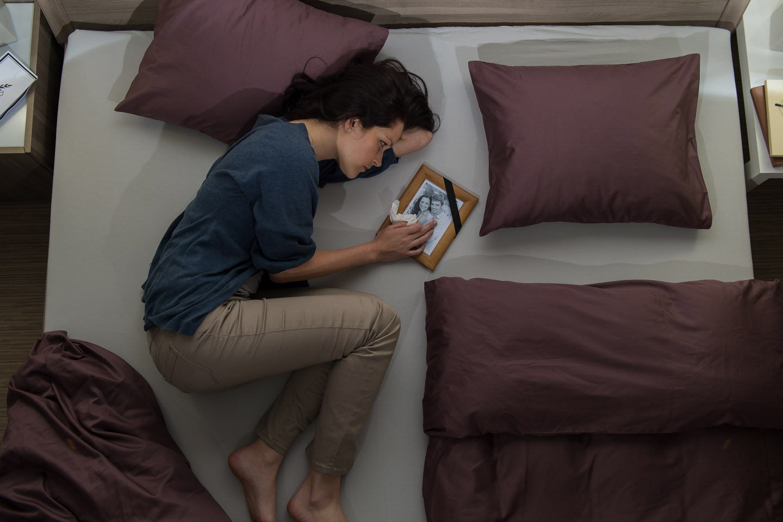 Widow, Bed, husband