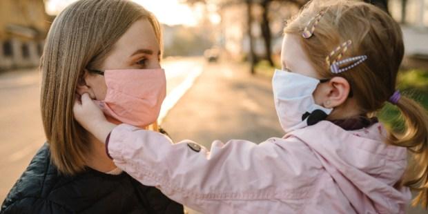 Comment faire porter facilement les masques aux enfants