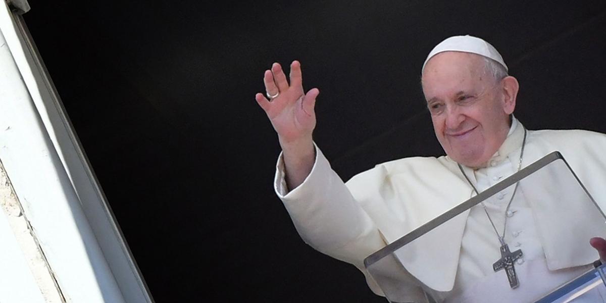 """""""Dieu s'est fait chair pour vous dire qu'il vous aime"""", assure le pape François WEB3-POPE-FRANCIS-ANGELUS-VATICAN"""