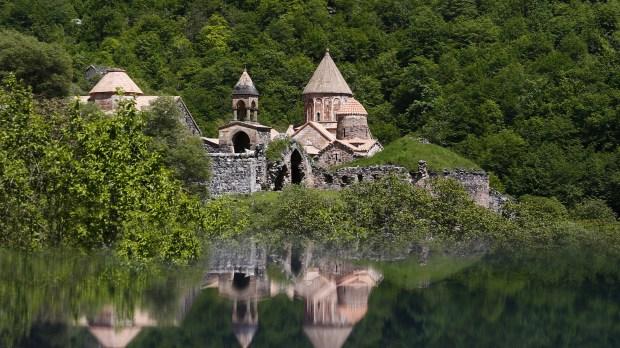 WEB2-Armenia-Nagorny Karabakh-AFP-000_DV2037409.jpg