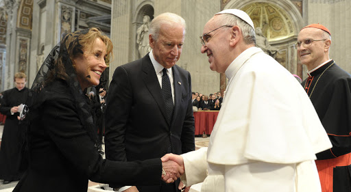 WEB2-JOE BIDEN-POPE FRANCIS-AFP