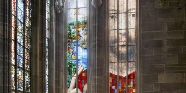 Le vitrail du Millénaire de la cathédrale Notre-Dame (Strasbourg), Véronique Ellena artiste plasticienne et Pierre-Alain Parrot vitrailliste, 2015