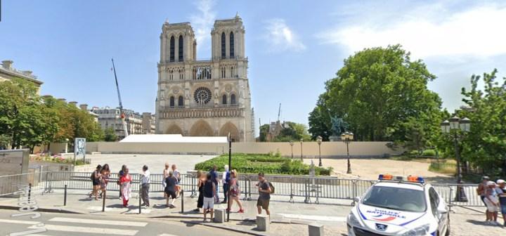 Parvis Notre-Dame