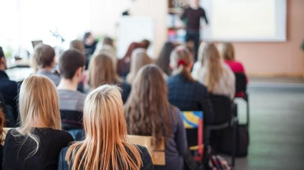classe avec des élèves