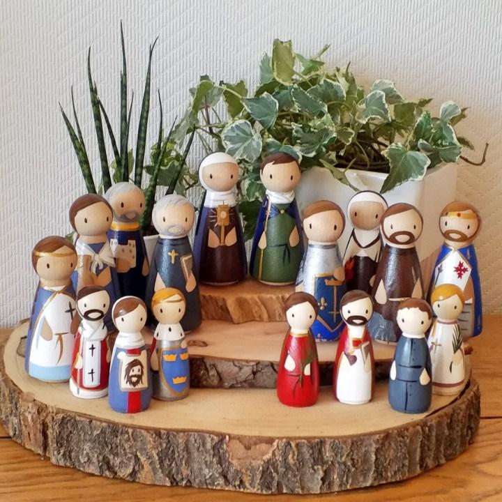 poupées de saints