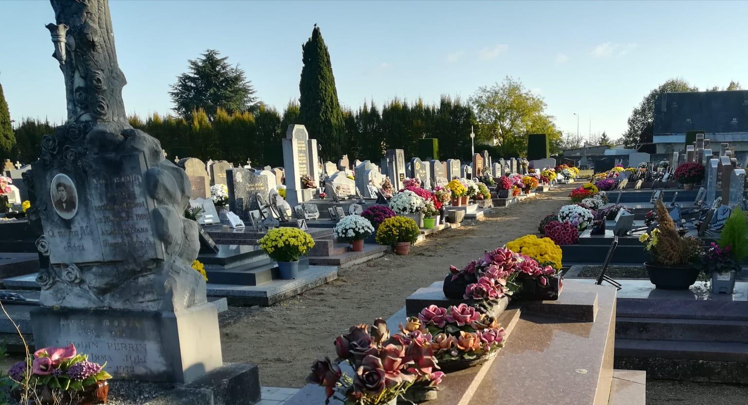 cimetière fleuri