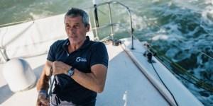 Sébastien Destremau sur son bateau du Vendée Globe
