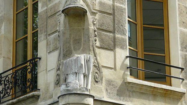 Statue sans tête lIle Saint-Louis