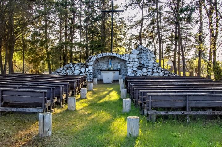 Grotte de Lourdes au Canada