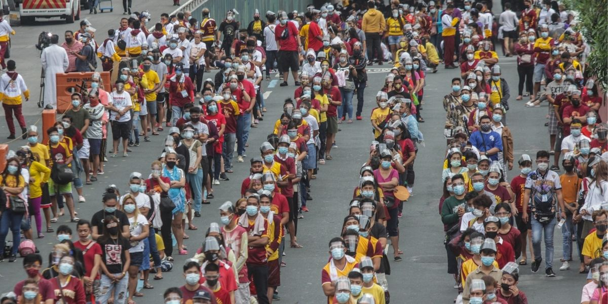 Procession Philippines Nazaréen noir
