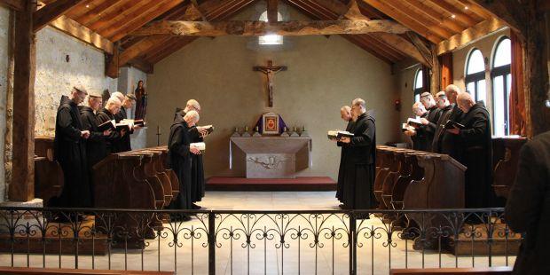 Les moines bénédictins