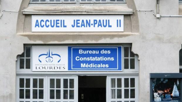 bureau des constations médicales à Lourdes
