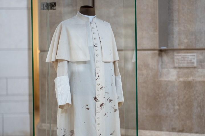 Cassock de João Paulo II / ataque