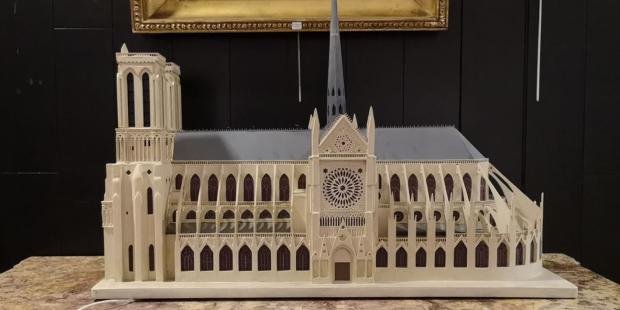 Diapo : vente à Drouot en faveur de Notre-Dame de Paris