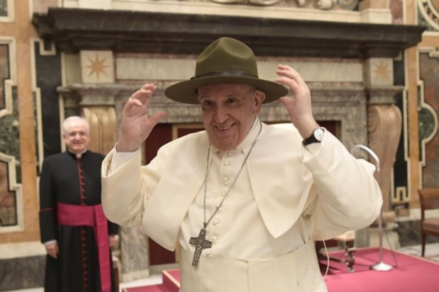 WEB2-POPE FRANCIS-SCOUT-SUF