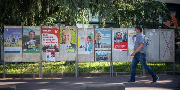WEB2-CAMPAIGN POSTERS-ELECTIONS-POLITIQUE-080_HL_NGRISAY_1473615.jpg