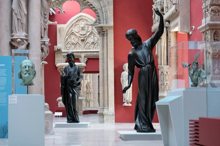 statues de la flèche de viollet le duc