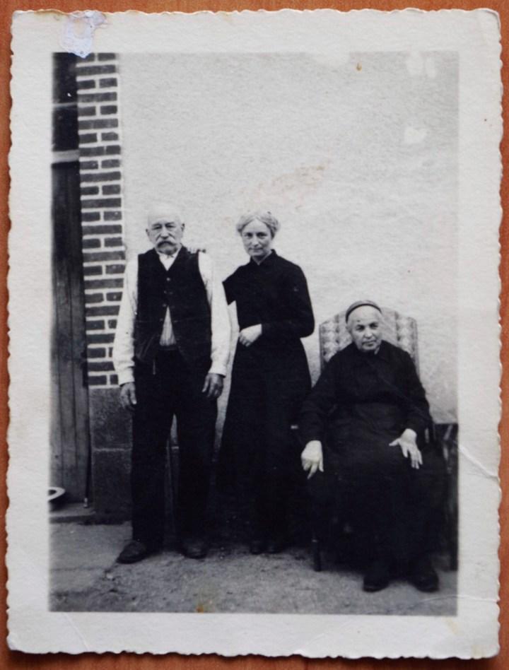 Léontine Dolivet et ses parents